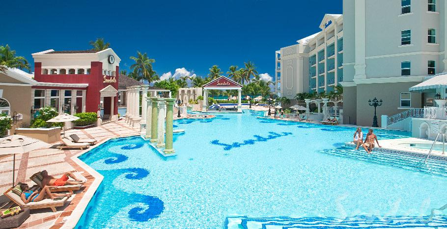 Sandals Royal Bahamian Balmoral Pool