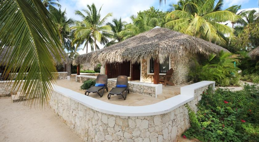 Beach bungalow rooms have private terraces