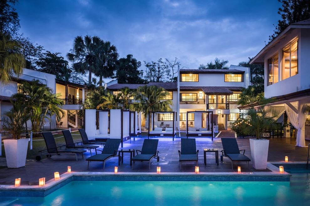 Bluebay Villas Doradas Pool