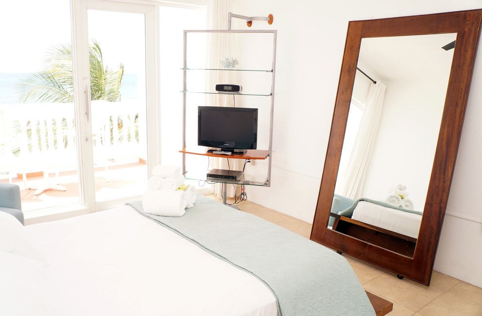 Rooms at Bravo Beach Hotel are modern and feature flat-screen TVs and iPod docking stations.