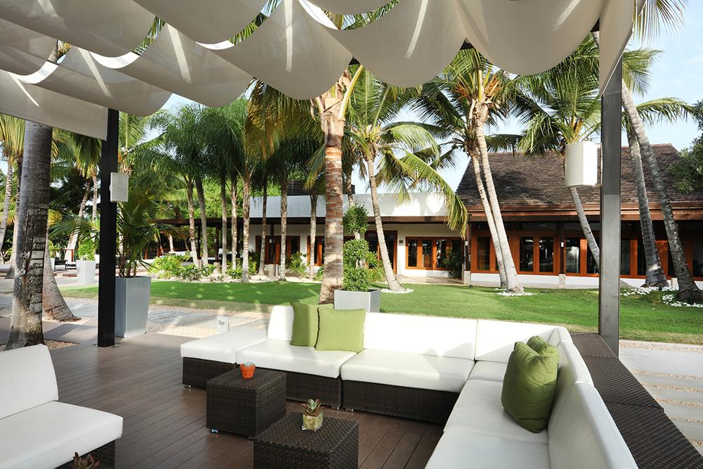 Outdoor lounge at Casa de Campo