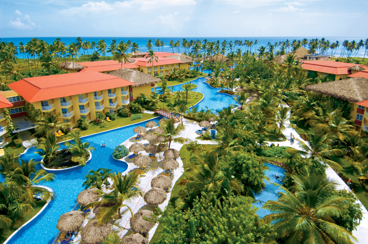Dreams Punta Cana's large free-form pool.