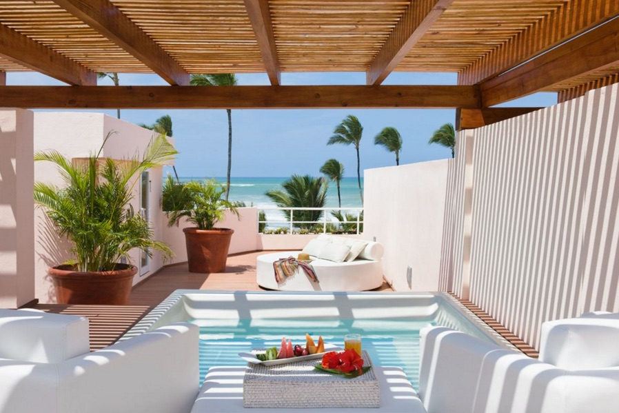 Rooftop terrace with plunge pool at Excellence Punta Cana