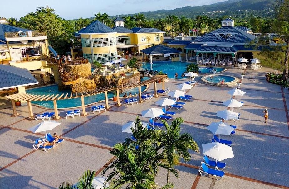Pool at Jewel Paradise Cove