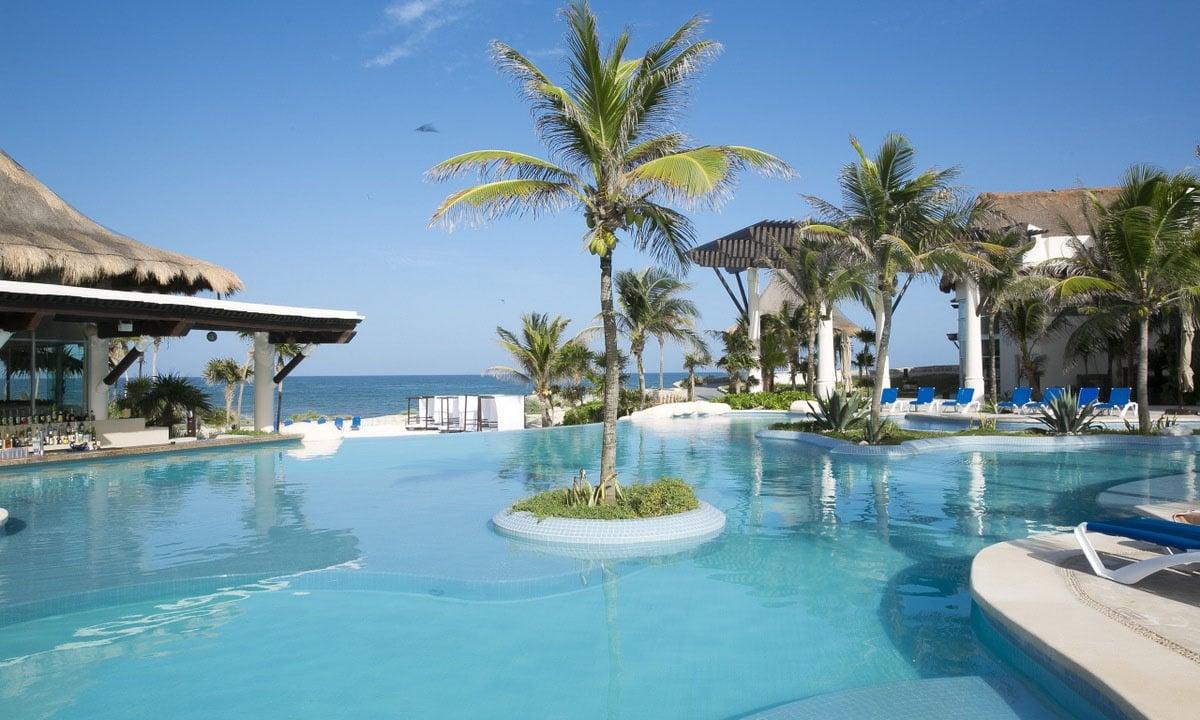 Kore Tulum Retreat and Spa Resort Infinity Pool