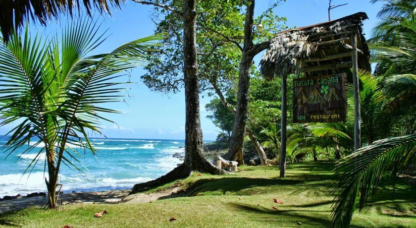 Lush grounds at Natura Cabana Beach