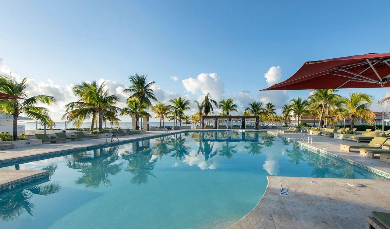 Oceanfront pool at Viva Wyndham Fortuna Beach