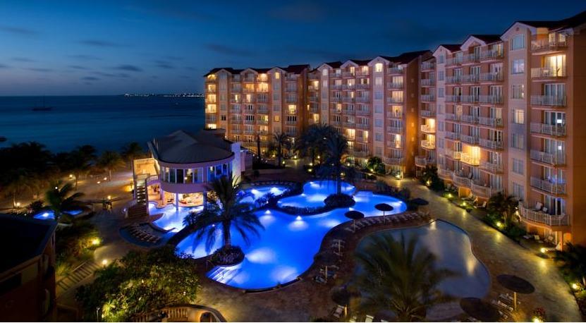 All suites at Divi Aruba Phoenix face the sea.
