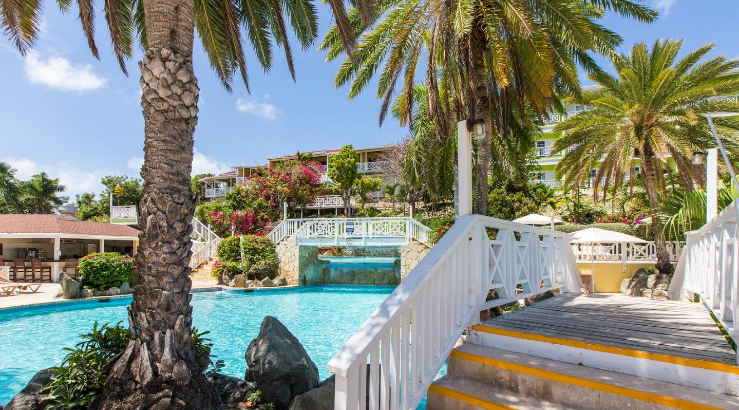 Pineapple Beach Club Pool
