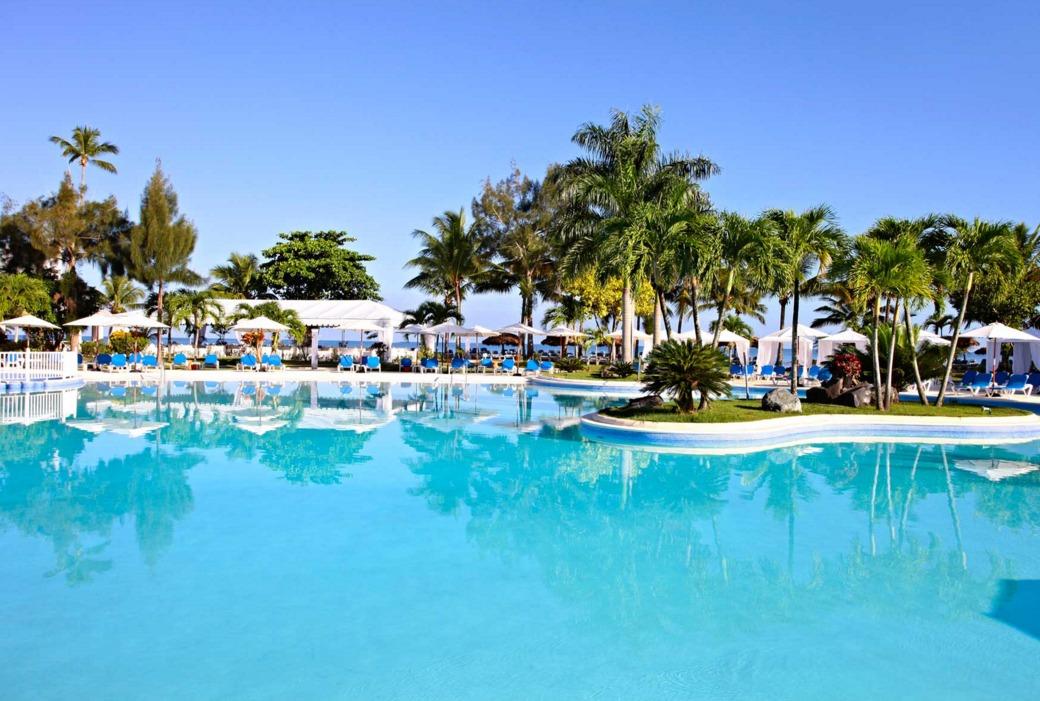 Pool at Bahia Principe San Juan