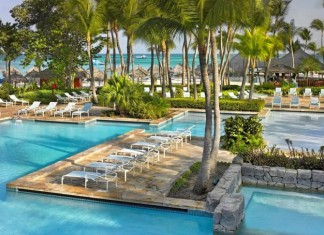 The pool area at Hyatt Regency Aruba Resort & Casino.