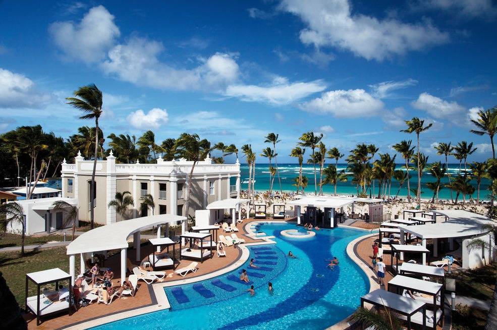 The pool at Riu Palace Bavaro
