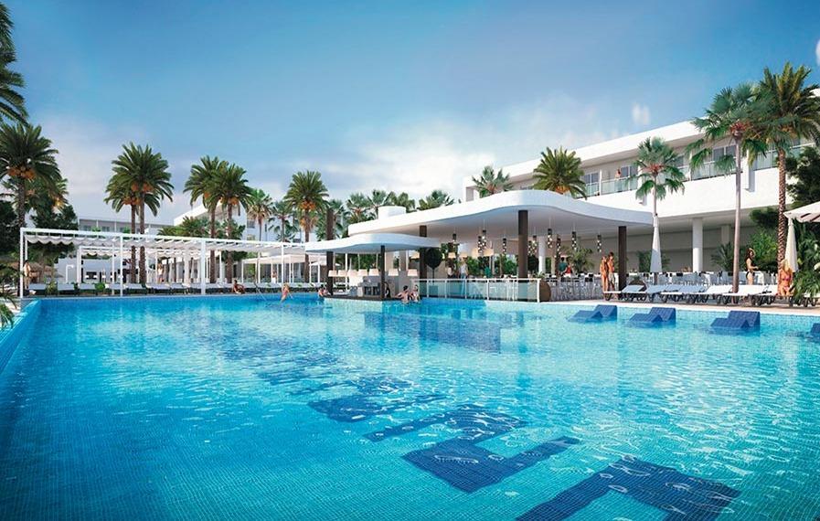 Riu Reggae Infinity Pool