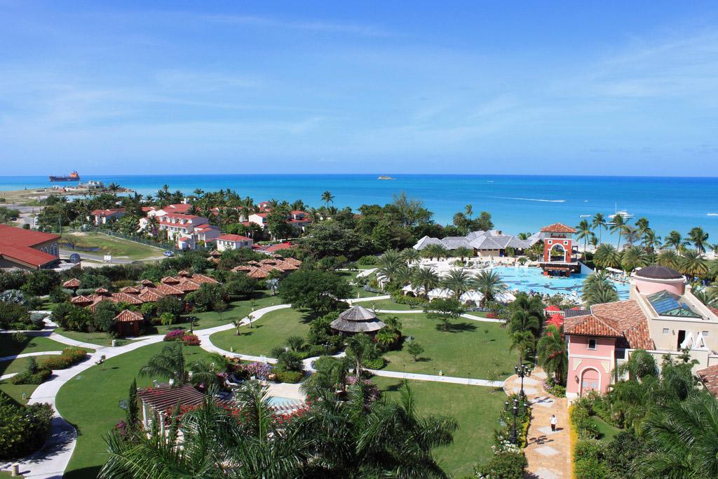 Sandals Grande Antigua Resort Overview