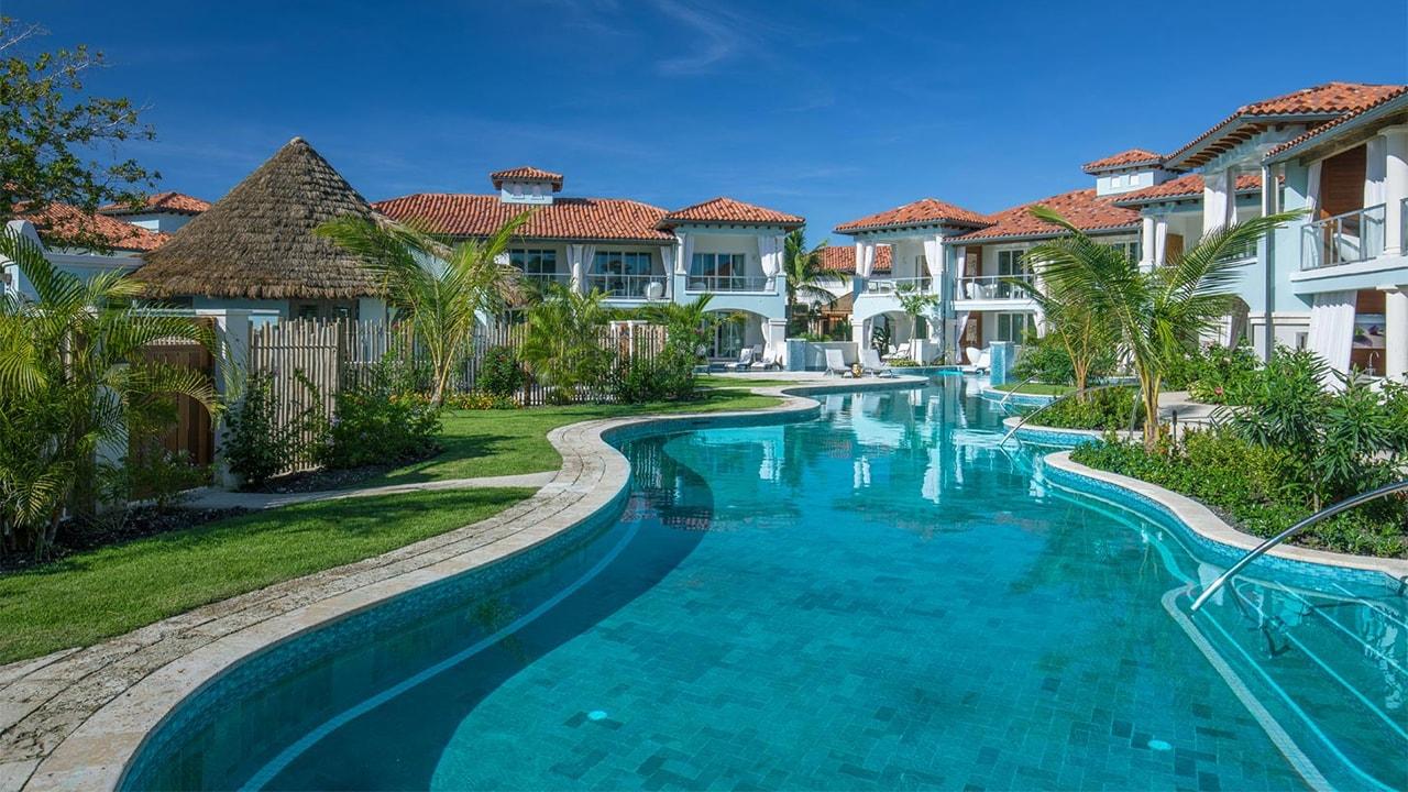 Swim-up pool at Sandals Royal Barbados