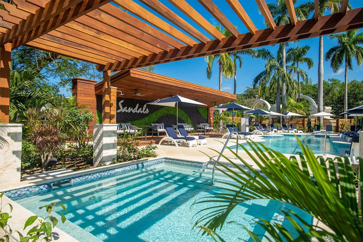 Sandals Royal Caribbean Poolside Suites