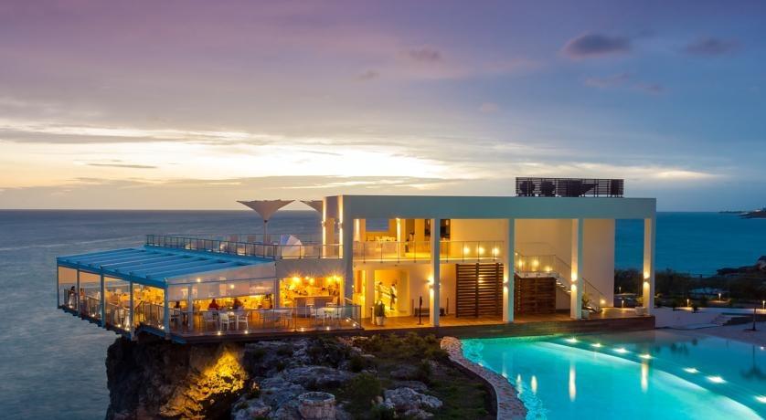 Sonesta Ocean Point Resort Azul Restaurant and Pool