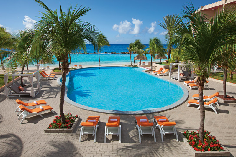 Preferred Club Pool at Sunscape Curacao