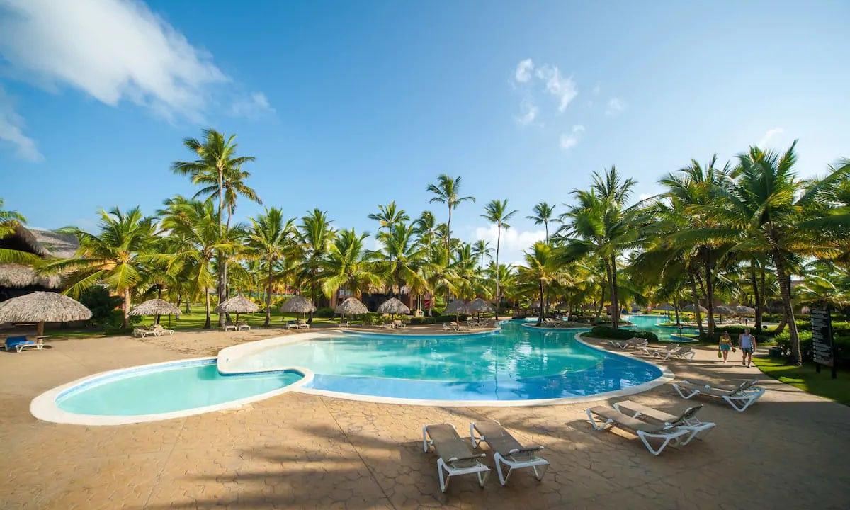 Tropical Deluxe Princess Beach Resort & Spa Pool
