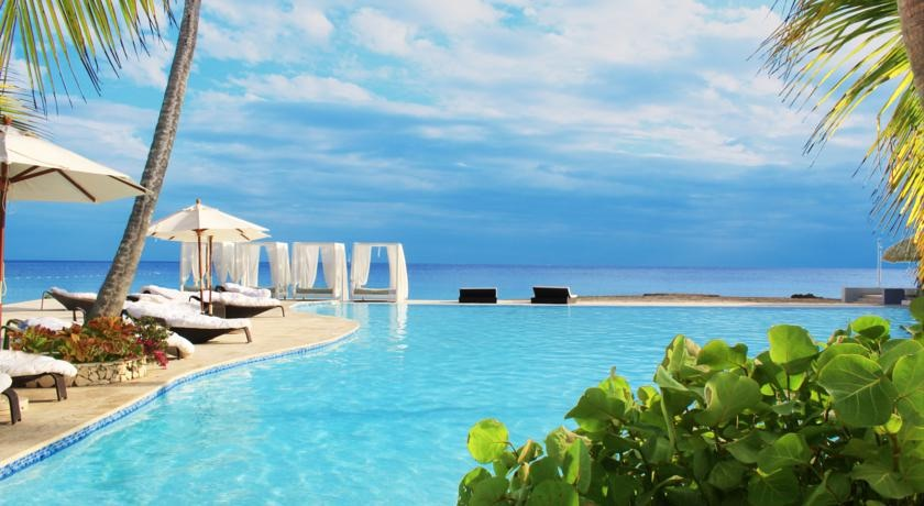 Ocean view pool at Viva Wyndham Dominicus Beach