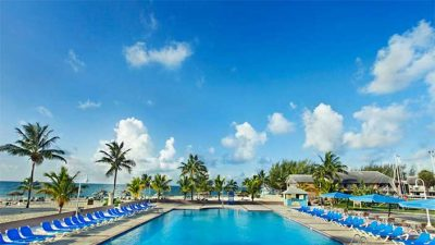 Wyndham Fortuna Beach Pool